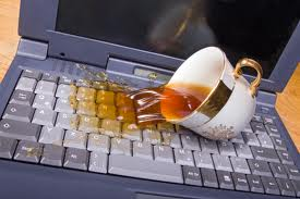 пролили воду на ноутбук
