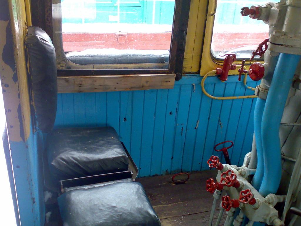 Кабина машиниста поезда