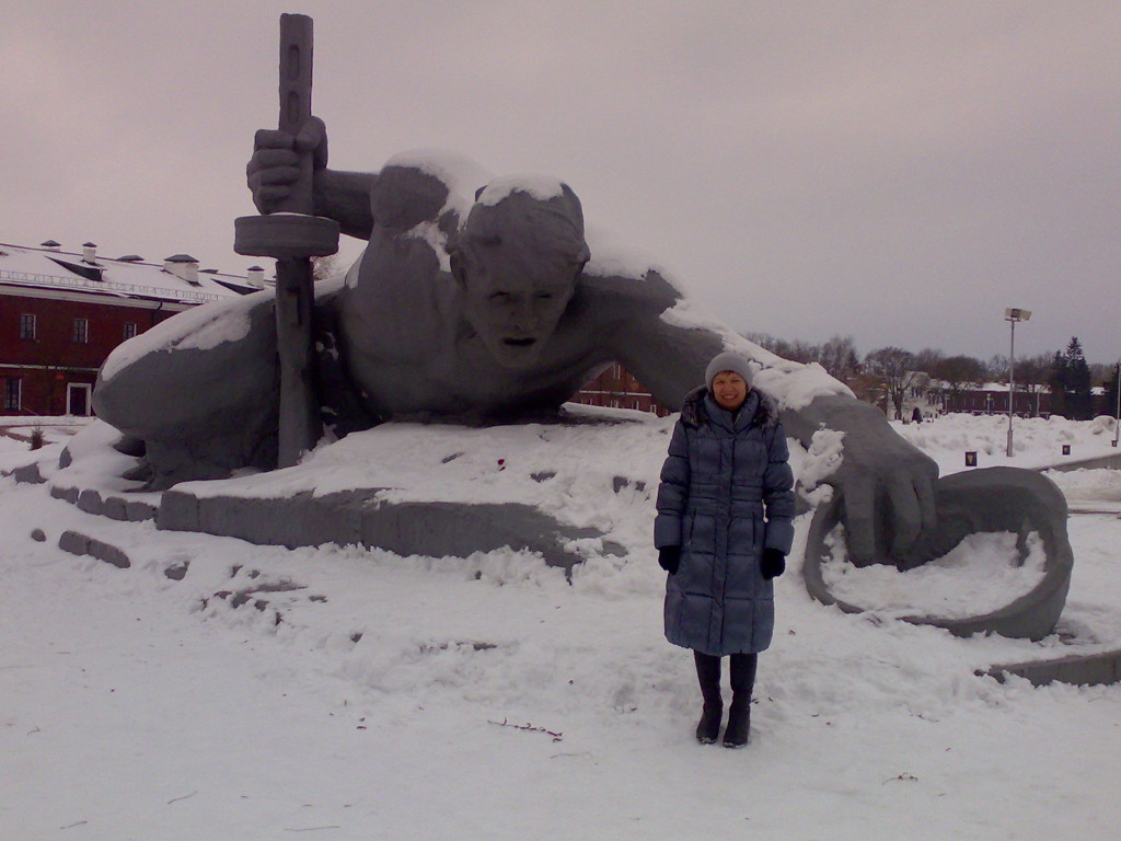 Скульптура Жажда в Брестской крепости