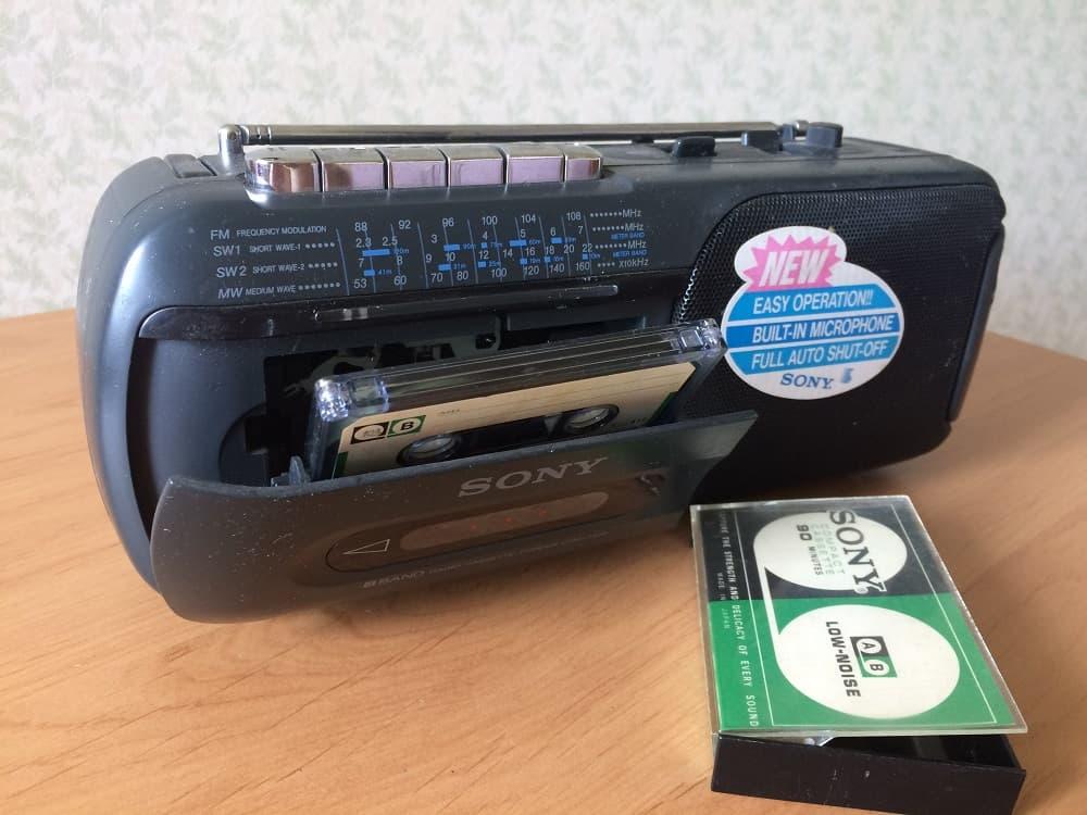 Аудио кассета и однокассетный магнитофон