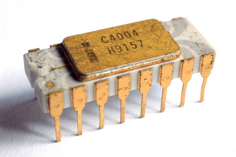 первый процессор Intel